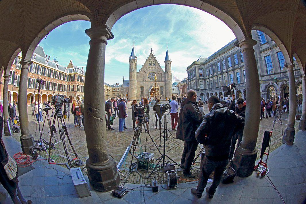 Persfotografie Den Haag. Stembureau op het binnenhof