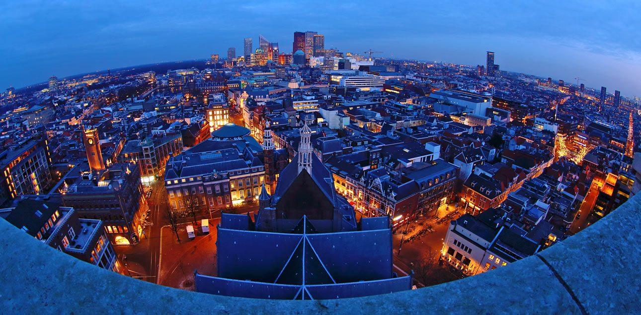 Uitzicht vanaf de grote kerk Den Haag centrum s'avonds