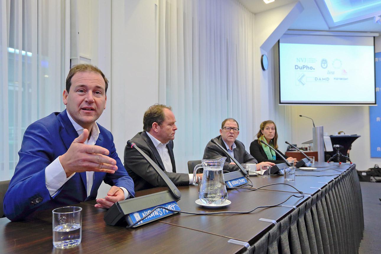 Politiek Den Haag fotografie tijdens hoorzitting