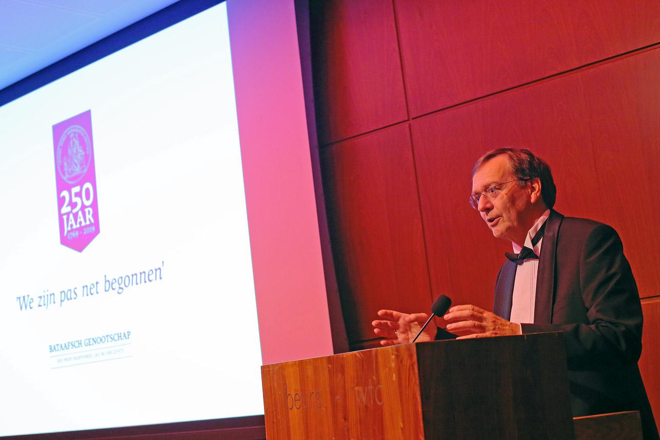 foto van spreker tijdens event in Rotterdam
