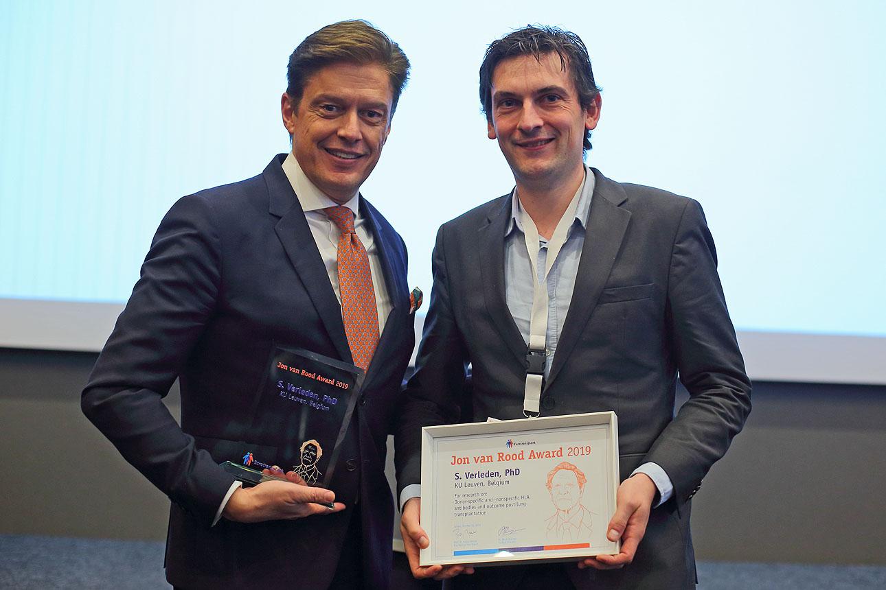 foto van een award uitreiking op een congres