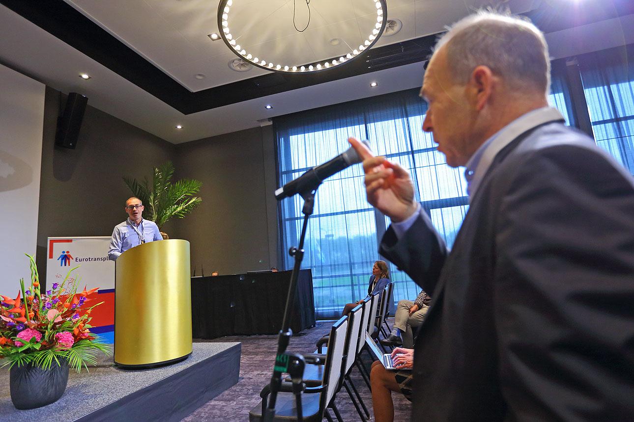 Foto van spreker tijdens een congres