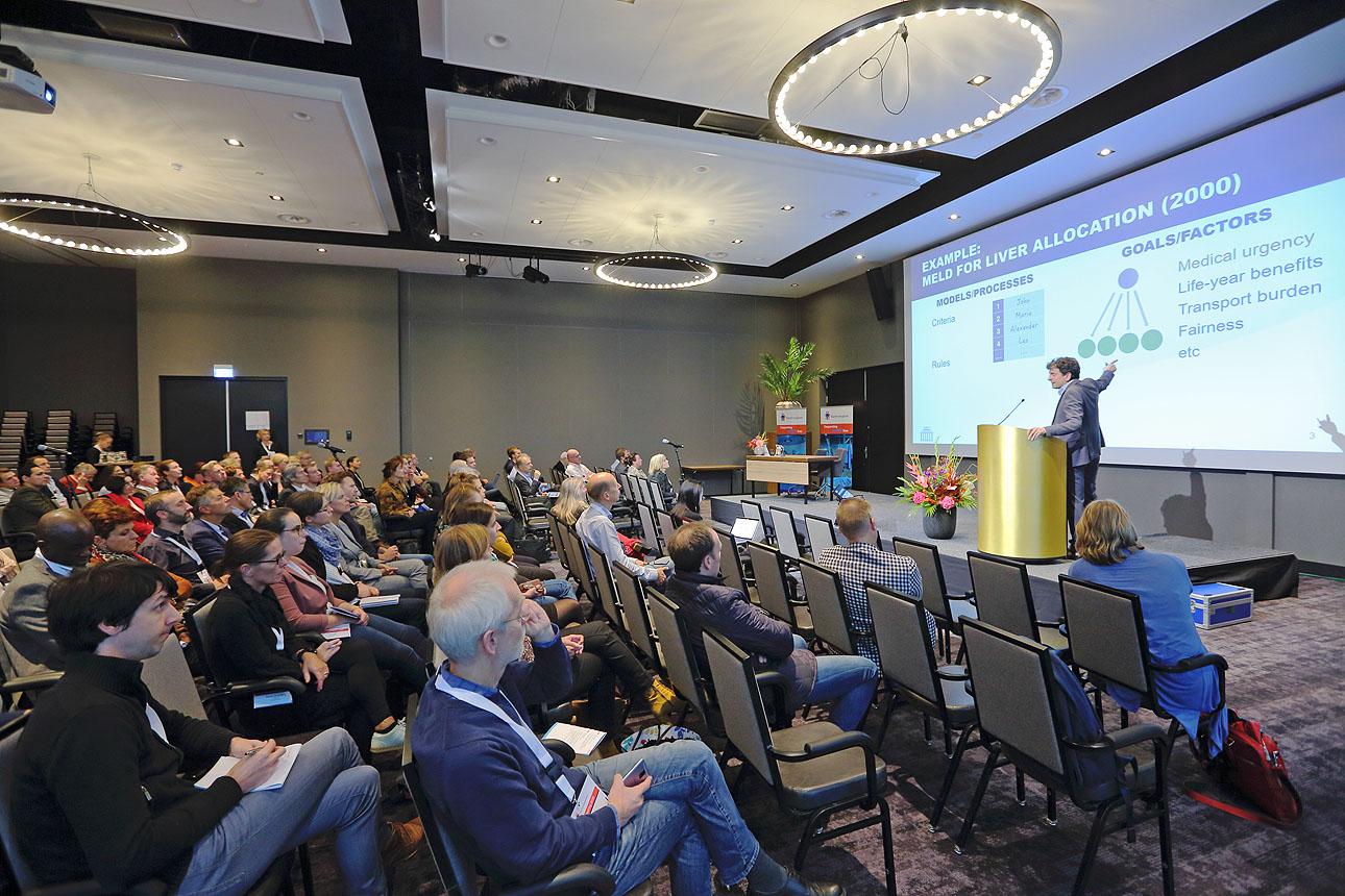 fotografie van een congres presentatie