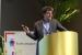 fotografie van congres spreker tijdens een presentatie