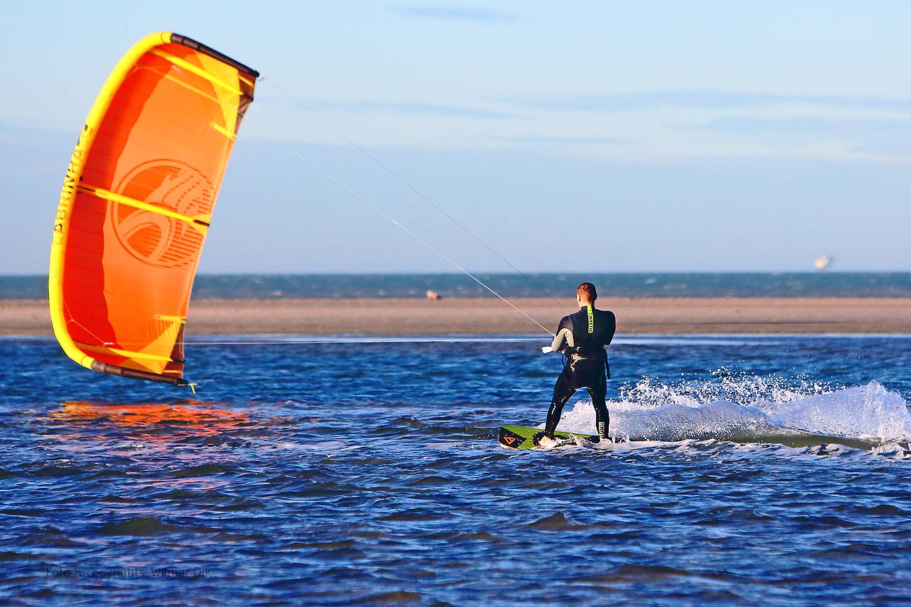 Strand stockfotos kitesurfers De Zandmotor kijkduin Nationaal Park Hollandse Duinen