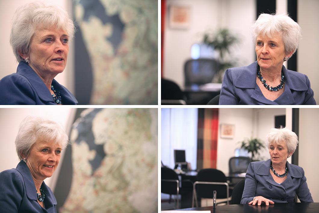 Portretfotografie minister tijdens interview