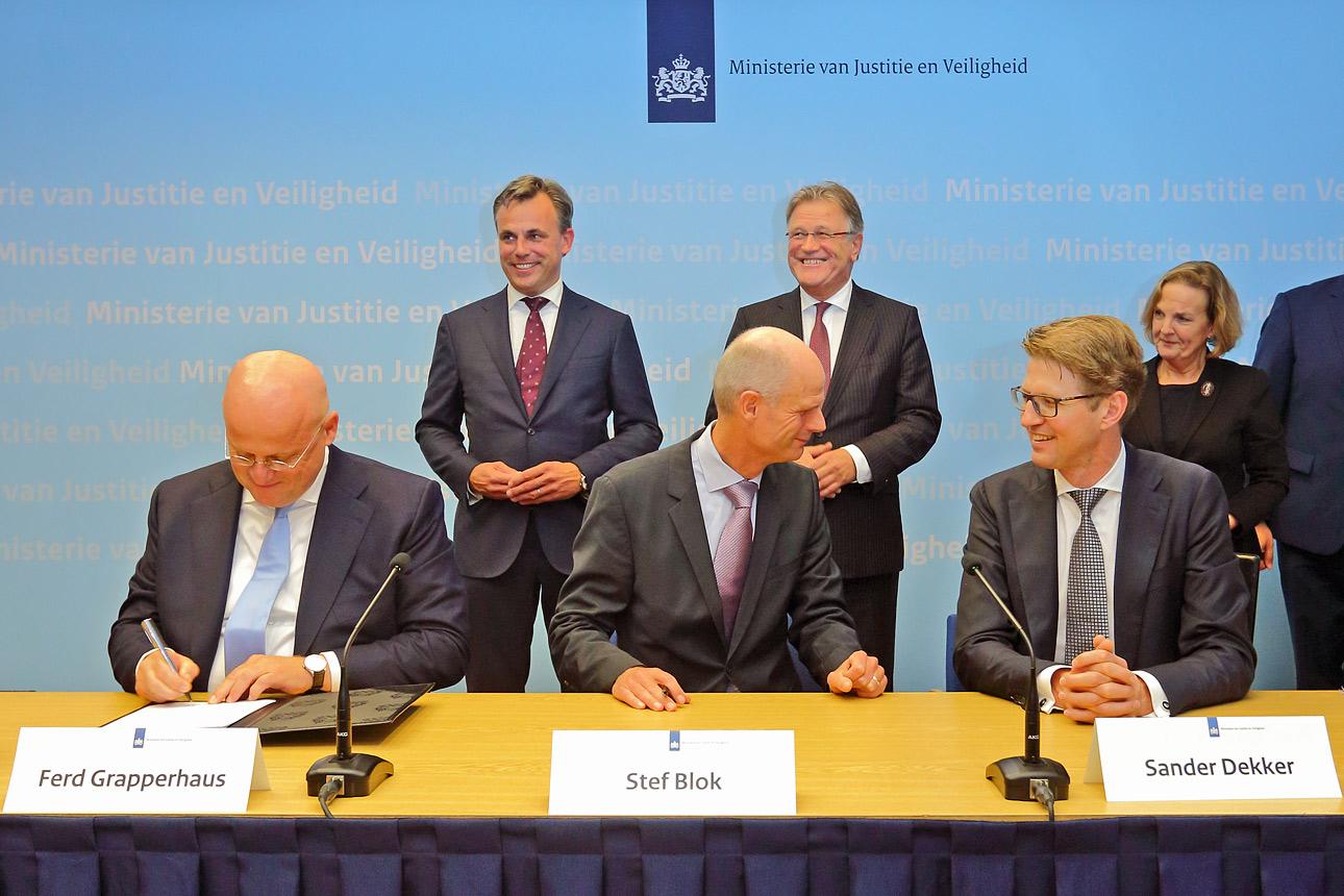 Fotografie bij ministerie, Den Haag