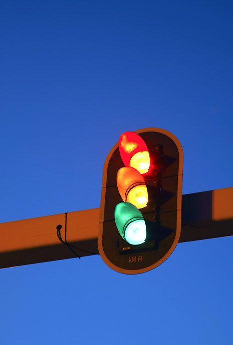 rood oranje groen stoplicht foto